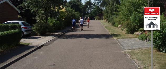 Nabohjælp vejskilt eksempel